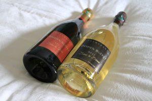 gamme de bouteilles de champagne premier cru et de ratafia damien buffet