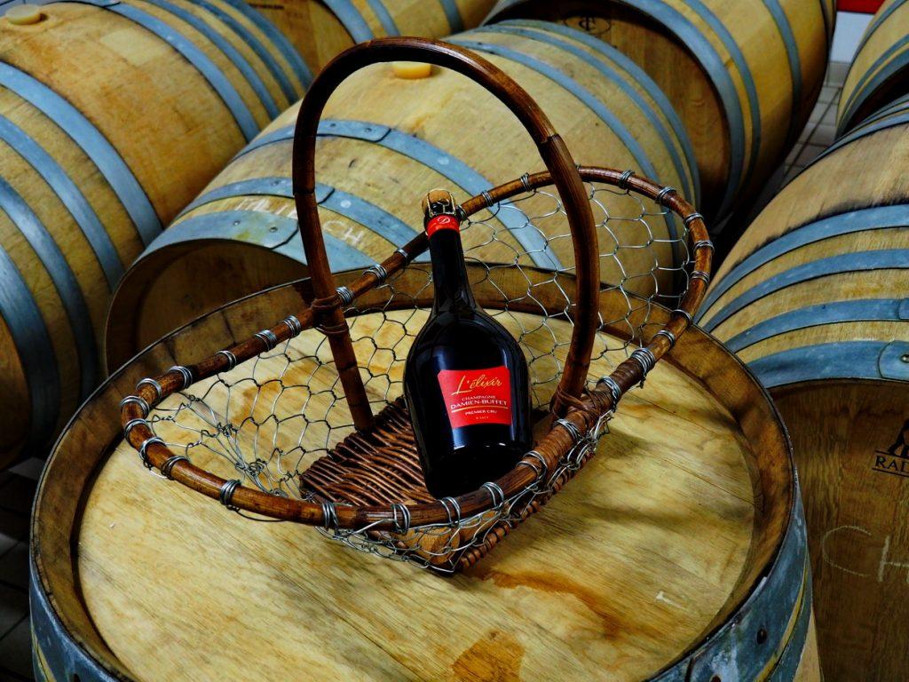 cuvée l'élixir du champagne Damien-Buffet élaborée en fût de chêne à la coopérative de Sacy et numérotée édition limitée. Photo Mireille Ruinart