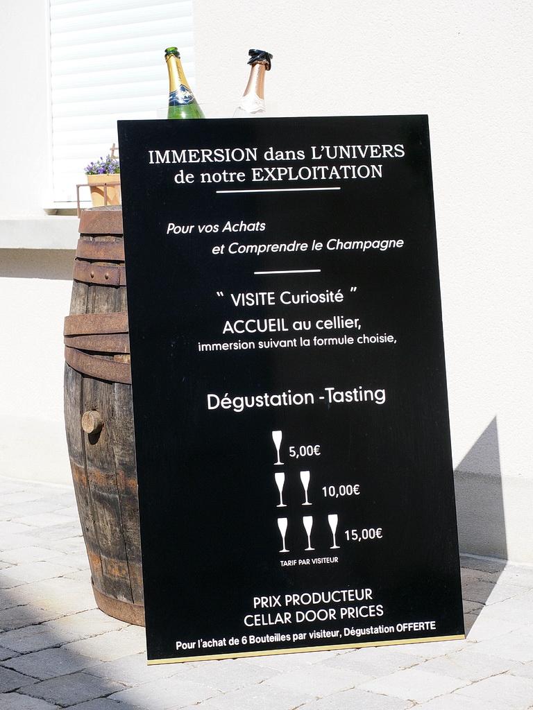 degustation commentee de champagne au caveau Damien-Buffet a sacy
